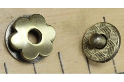 bouton pression aimanté en forme de fleur couleur bronze
