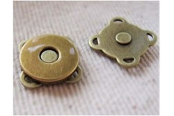 Bouton aimant à coudre couleur bronze 14 mm