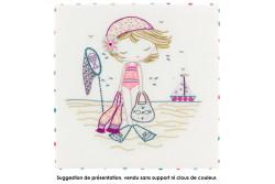 """Kit de broderie traditionnelle """"quand Salomé va à la plage"""""""