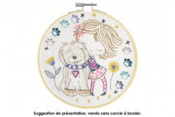 """Kit de broderie traditionnelle """"quand Salomé câline son chien"""""""