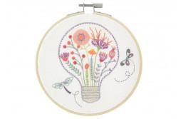 """Kit de broderie traditionnelle """"Lumière florale"""""""