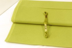 Etamine unifil LUGANA de Zweigart, coloris 6096 vert anisé