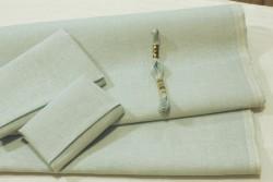 Toile de lin BELFAST de Zweigart, coloris 562 bleu pale