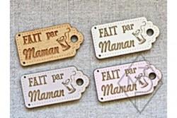 """Bouton en bois """"Fait par maman"""""""