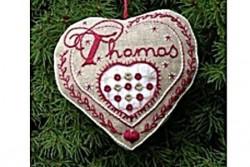 """Fiche de broderie Jour de lin """"Accroche coeur"""" Thomas"""