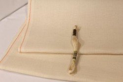 Etamine unifil MURANO de Zweigart, coloris  779 beige taupe