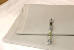 Etamine unifil MURANO de Zweigart, coloris  7025 gris taupe