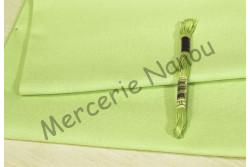 Etamine unifil MURANO de Zweigart, coloris 6122 vert anis